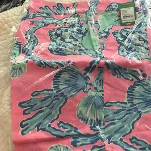 Lilly Pulitzer Chipper Short size 14 NWT